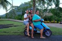La mia fidanzata polinesiana: L ho scelta xche c ha la moto!!!