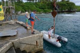 Operazioni di attracco a Niue